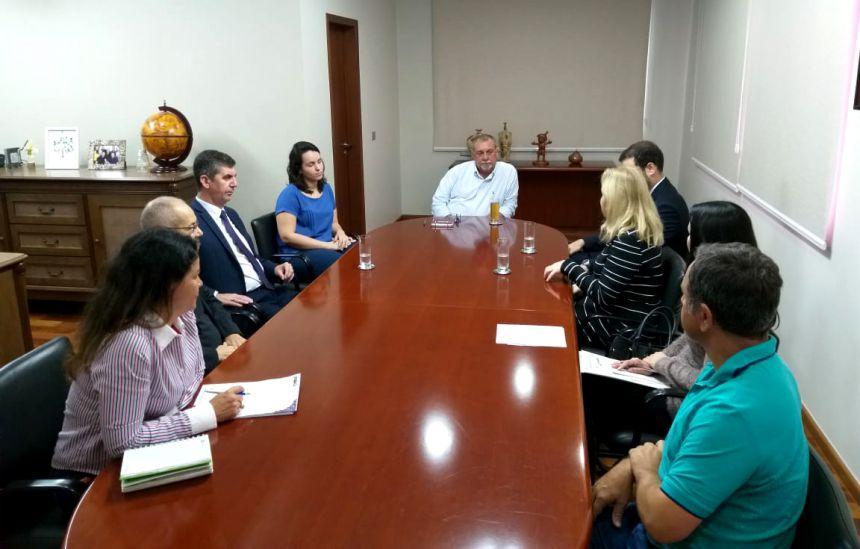 Cinturão Verde - Promotora se reúne com prefeito para discutir tema