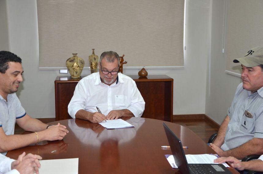 Assinada ordem de serviço para reforma do Furusato Tomio e Cecília Meireles