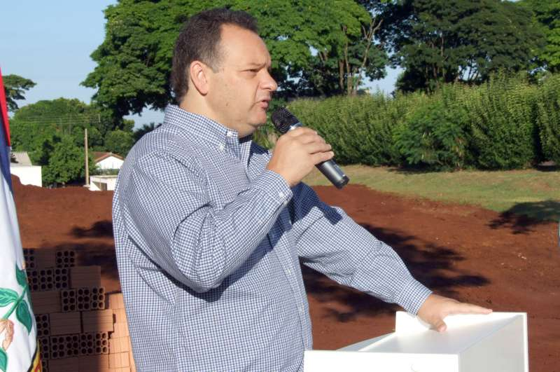 Prefeito Fábio D'Alécio espera que em nove meses todos estejam participando novamente de uma cerimônia; dessa feita a de inauguração da Câmara de Vereadores