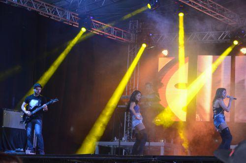 O ano de 2016 chegou a Ubiratã com muita festa, alegria e desejos de prosperidade