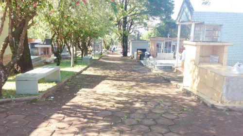 Cemitério de Ubiratã deve receber muitos visitantes no Dia de Finados