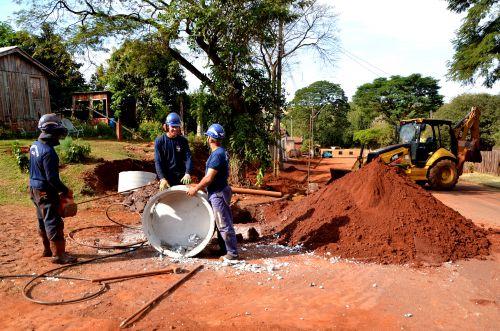 Iniciado os trabalhos de ampliação da rede coletora de esgoto em Ubiratã