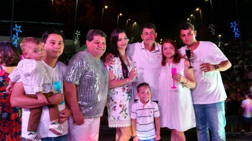 Muita alegria, festa e desejos de prosperidade com a chegada de 2018 em Ubiratã