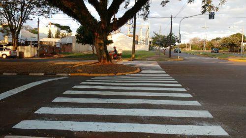 Retirado quebra-molas e sinalizado locais dos novos semáforos
