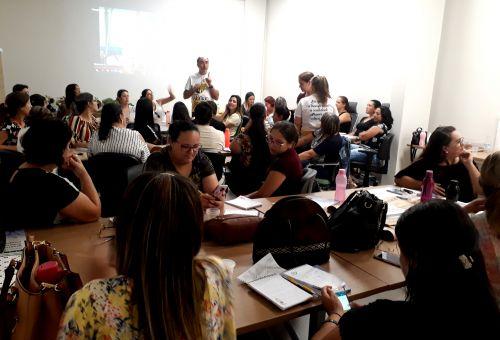 """Programa """"A União Faz a Vida"""" realiza formação com educadores do município de Ubiratã"""