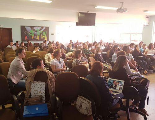 Experiência do planejamento em saúde de Ubiratã é apresentada para outros municípios em Curitiba