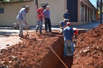 A Administração Municipal trabalha constantemente para resolver o problema de bueiros entupidos