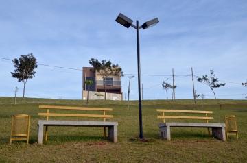 O contraste do Parque da Cidade com o loteamento particular ao lado já deixa o local visualmente atrativo