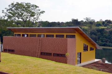 A cor escolhida pelo prefeito já foi aplicada no prédio do Centro de Eventos