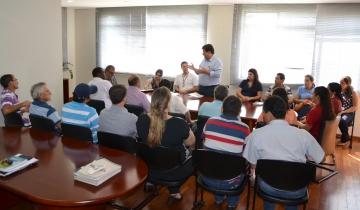 A reunião contou com a participação dos integrantes da CANPAR, Conselho Municipal de Desenvolvimento Rural e representantes da Feira do Produtor