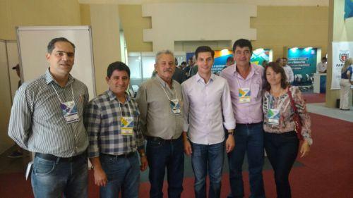 Baco e Nil Pereira participam do Encontro de Prefeitos Eleitos realizado em Foz