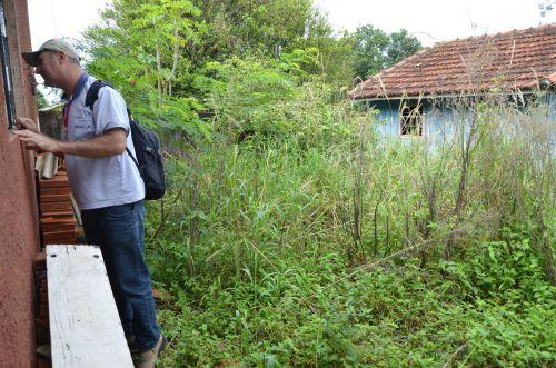 Casas fechadas dificultam trabalho dos agentes de combate ao mosquito