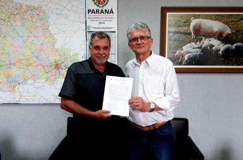 Assinado em Curitiba convênio para pavimentação poliédrica em pontos críticos de estradas rurais