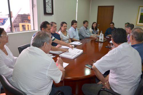 Prefeito Baco nomeia secretários para sua nova gestão