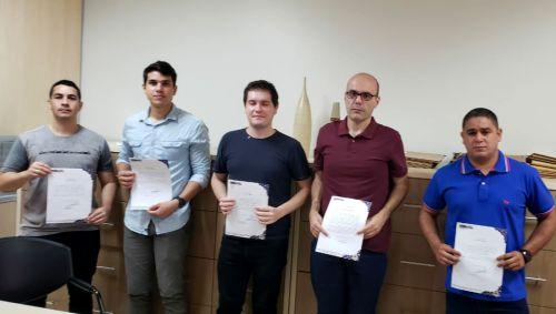 Servidores aprovados em concurso tomaram posse em Ubiratã