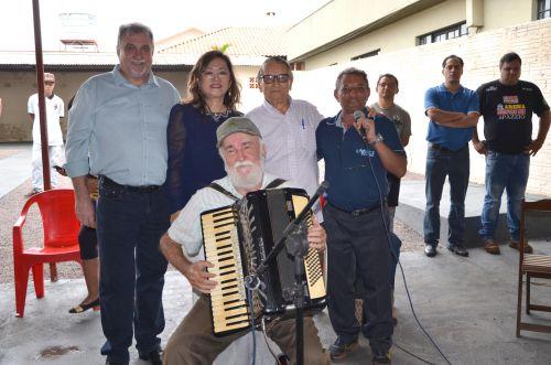 O apresentador de rádio, Armando de Oliveir