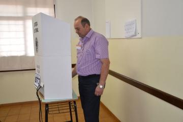 Vice-prefeito Beraldo foi a urna para escolher seus candidatos