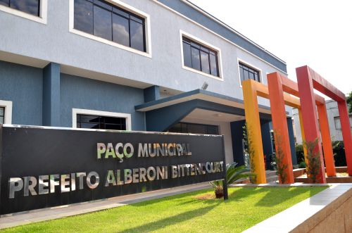 Inscrições para o concurso da Prefeitura de Ubiratã terminam na quinta-feira