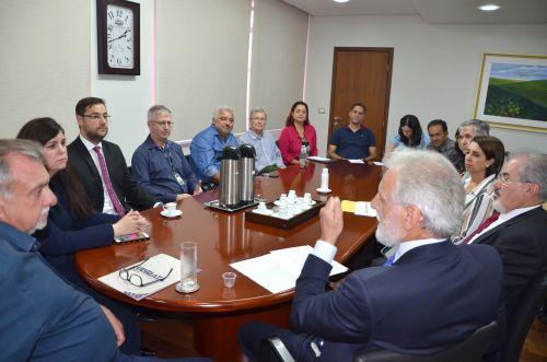Presidente do TRE-PR visita Ubiratã para tratar do cadastramento biométrico de eleitores da comarca