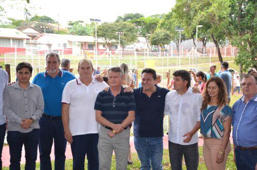 Prefeito Baco prestigia inauguração de bosque e evento ambiental em Terra Boa