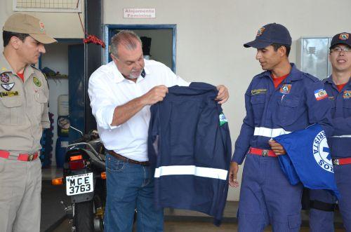 Bombeiro Comunitário de Ubiratã conta com novo fardamento