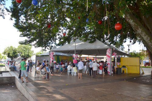 Feira de Serviços da Secretaria de Assistência Social marcou comemorações do Dia da Mulher