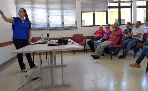 Servidores participam de palestra de conscientização sobre uso abusivo de álcool