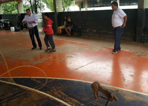 """Prefeito Baco prestigia o evento """"24 Horas na Escola"""" desenvolvido no Colégio Pe. Jorge Scholl"""
