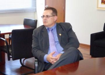O delegado chefe da 16ª SDP de Campo Mourão, Almir Roberto Salmem, apresentou o novo delegado ao prefeito