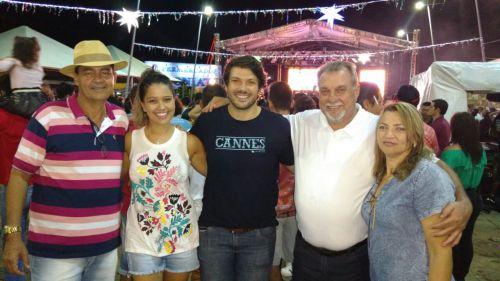 Deputado estadual Tiago Amaral prestigia Carnaval de Ubiratã