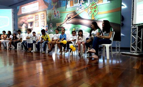 """Professores participaram do Encontro Regional e Feira de Boas Práticas do """"Programa A União Faz a Vida"""" em Palotina"""