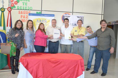 Assinatura de convênio entre Município e Fundação Banco do Brasil garante continuidade do Programa AABB Comunidade