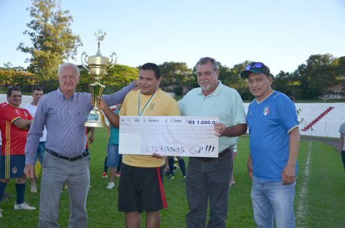 Terraplanagem Ubiratã campeã da 1ª edição da Ubiratã Veteranos Cup