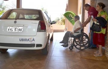 Além de dirigir, os motoristas prestam um importante e relevante serviço social