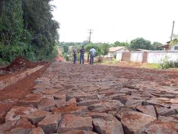 O serviço na Rua Rio Grande do Sul deve ser concluído em cerca de 30 dias