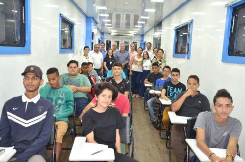 Adolescentes participam de curso gratuito de Mecânico Automotivo oferecido pelo município