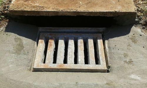 Serviços Urbanos recupera bocas de lobo e coloca tampas em poços de visita