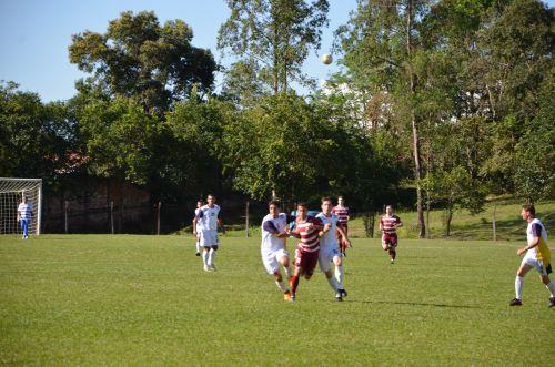 A equipe de futebol amador de Ubiratã vem f
