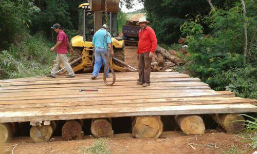 Nova ponte sobre o Córrego Portuguesa vai proporcionar mais segurança aos usuários