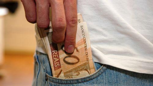 Antecipação do pagamento do salário do funcionalismo irá injetar mais R$ 1.438.923,34 na economia do município