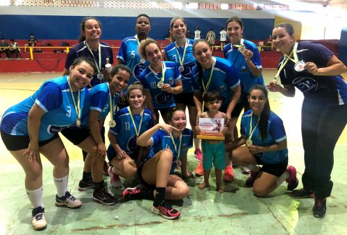 Handebol feminino de Ubiratã encerra o ano com título da Copa Centro Oeste