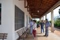 O prefeito Baco, junto dos secretários de Obras (Reginaldo Retamero) e Ação Social (Eliane Omori Duarte), visitaram o CCI para analisar as reformas