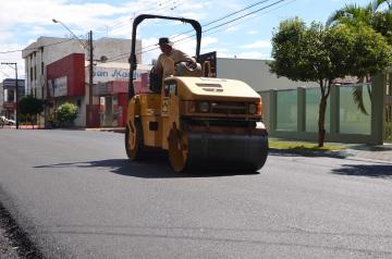 Os recursos utilizados para o recape dessas ruas são na ordem de R$ 111.000,00