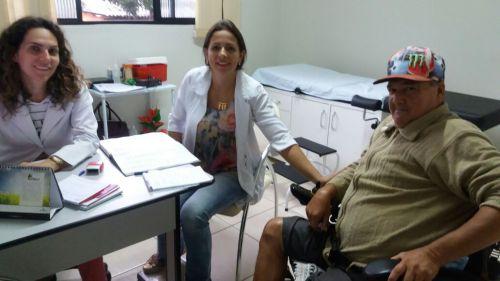 Médica e enfermeira desenvolvem atendimentos em conjunto para pacientes de Yolanda