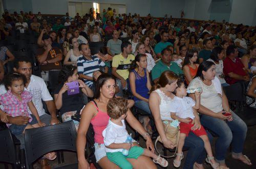 Apresentações natalinas marcam encerramento das atividades do CMEI Lugar de Gente Feliz