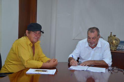 Assinada ordens de serviço para pavimentação poliédrica