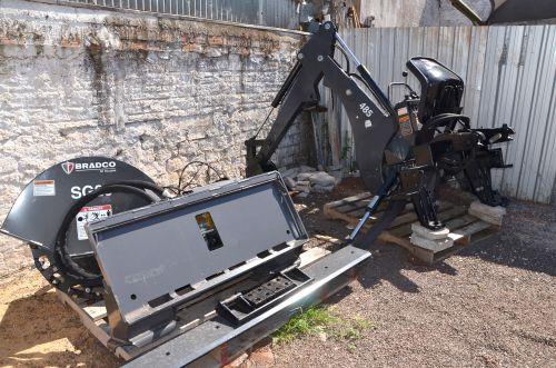 Prefeitura adquiriu uma mini carregadeira para ser utilizada em diversos serviços urbanos