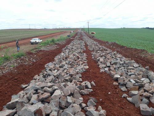 Mais um trecho da Estrada Mato Grosso está recebendo pavimentação poliédrica