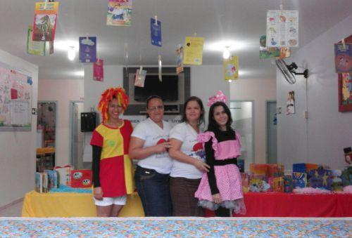Crianças do CMEI Dona Mariquinha comemoram Dia do Livro Infantil e Dia do Monteiro Lobato