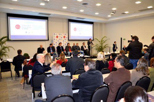 Prefeito Baco e secretários participam de reunião descentralizada da Amop em Foz do Iguaçu, em parceria com a Itaipu